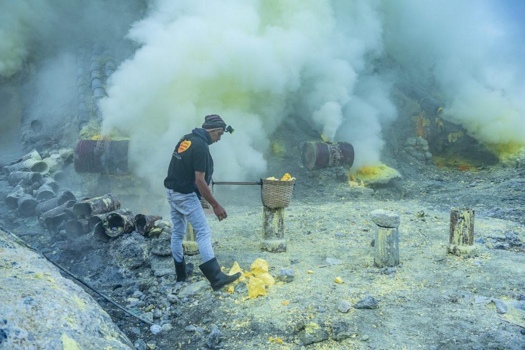 Sulfer miner – Indonesia