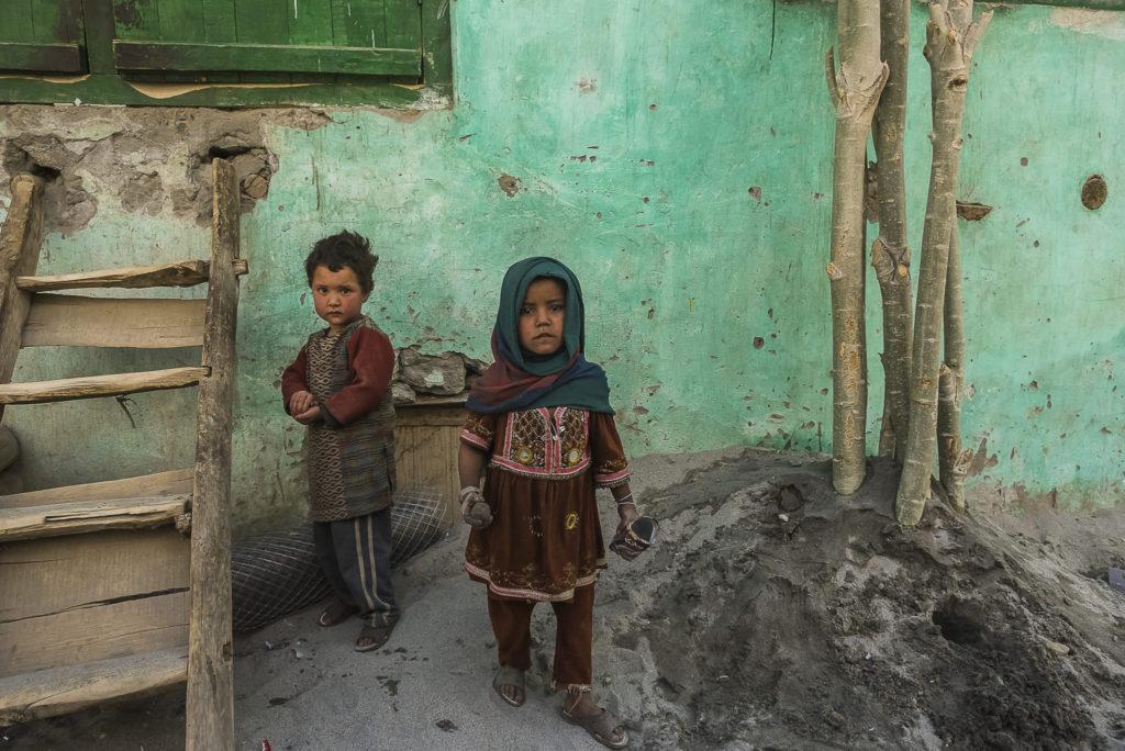 Staring – Pakistan